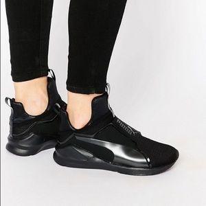 PUMA x KYLIE JENNER   Black Fierce Sneakers